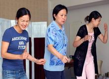 现代舞《惊梦—牡丹亭新记》精彩剧照2