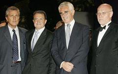 《陷落》首映 意大利总理捧场六位美女(组图)