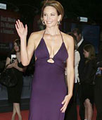 戴安:紫色低胸礼服-优雅