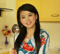 花衣风情做最美主妇 李湘亲自下厨展厨艺