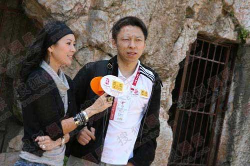 作为奥运官网特约记者 章子怡尽责尽责